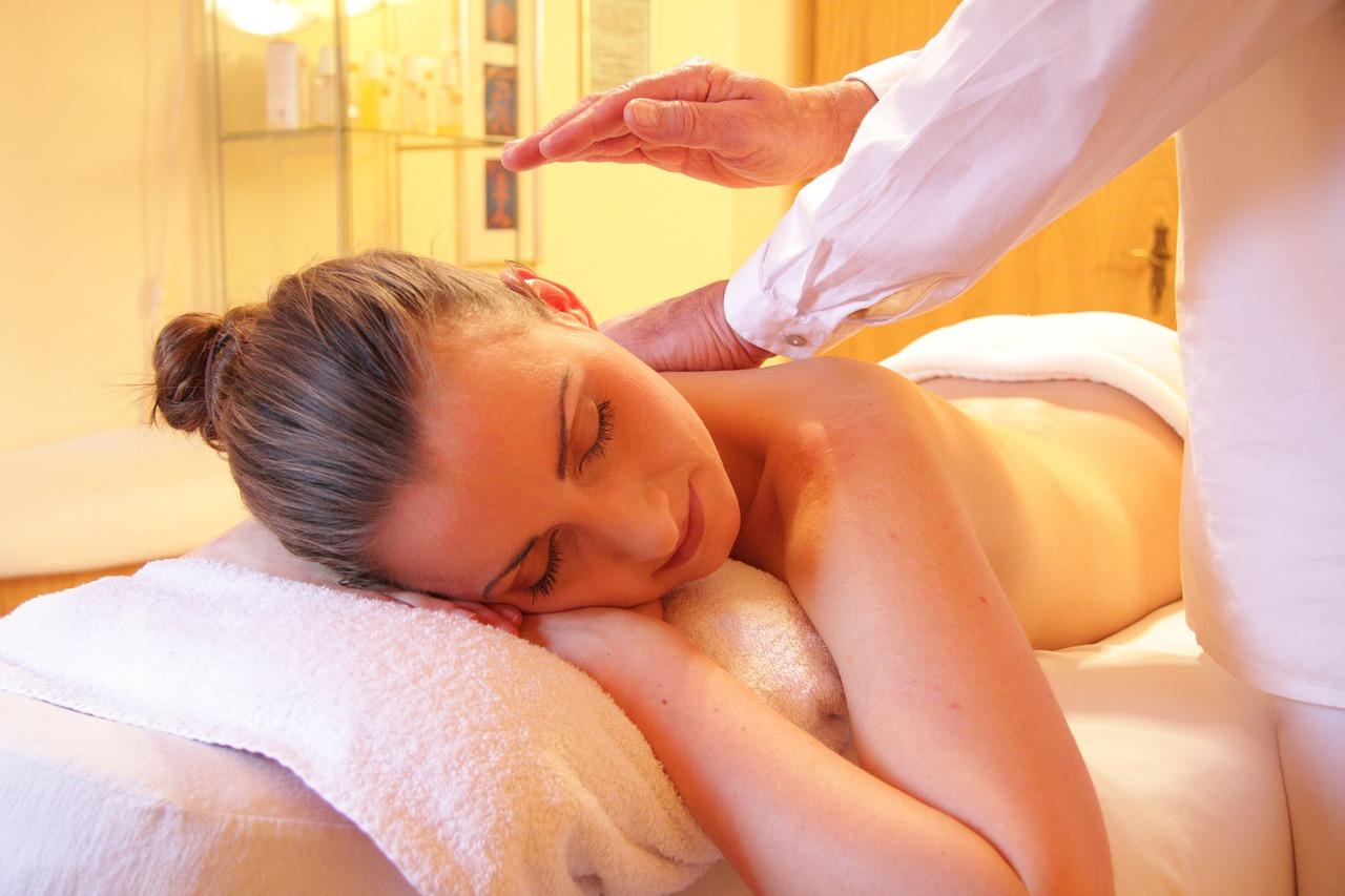 Sprando masažo technikos